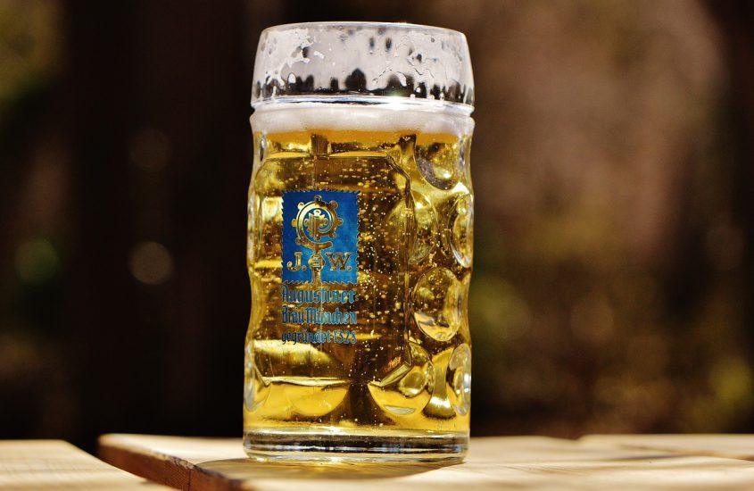 Drink je biertje uit jouw gepersonaliseerde bierpul